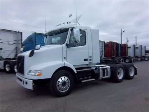 New VOLVO VNM64T200
