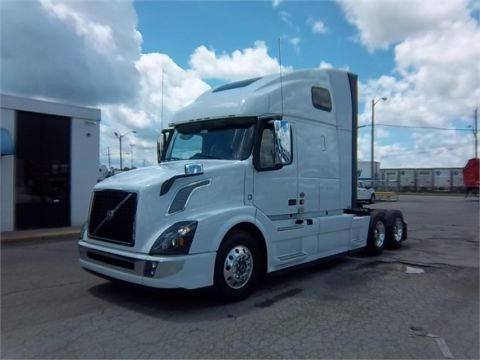 New VOLVO VNL64T670