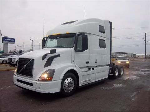 New VOLVO VNL64T780