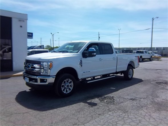 New 2017 FORD F350 LARIAT