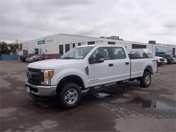 New 2017 FORD F350 XL